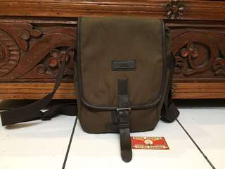 National geographic Canvas Sling Bag... Original, green army