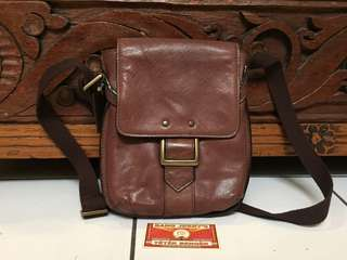 Hidesign Leather Mini Sling Bag....