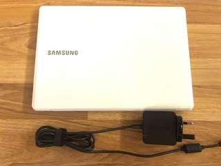 Samsung NP110S1J-K02HK Notebook