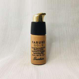 🚚 Guerlain Parure Gold Fond de Teint Lumiere d'Or Radiance Foundation - Medium Beige