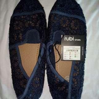 Rubi shoes (Navy crochet)