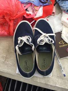 Pre loved but well loved Sperry size 10