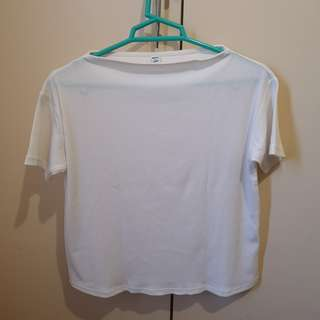 Uniqlo white top