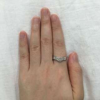 V shaped ring w/ studs