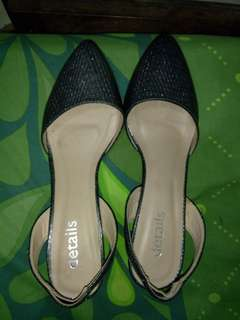 Sepatu heels details abu-abu. Harga 150rb