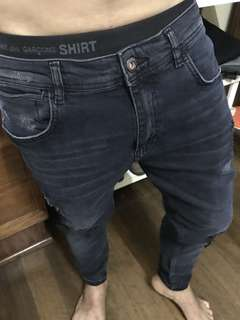 "Zara Man skinny tattered denim pants (33-34"")"