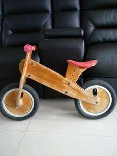 very preloved Likeabike Kokua balance bike