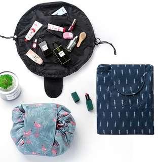 Drawstring cosmetic bag