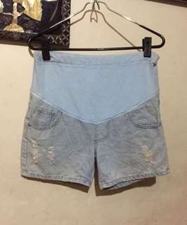 Maternity shorts 32 inches hips
