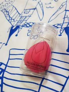 Revered Artistry Plush Sponge Blender