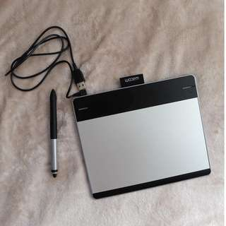 Wacom Intuos (Manga) Pen and Touch small