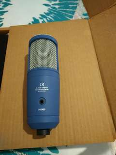 Side address microphone