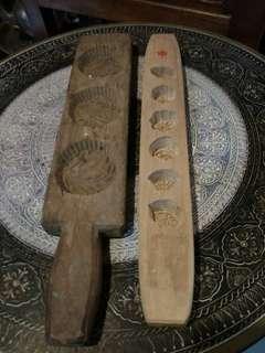 Acuan kuih kayu antik a