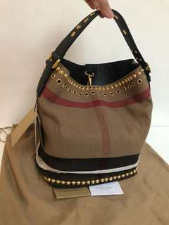 Burberry authentic brandnew bag
