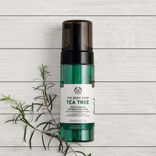 NEW BODY SHOP TEA TREE SKIN CLEARING CLEANSER