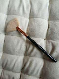Fan/Highlighting Brush