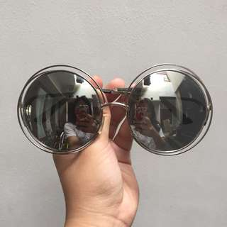 round sunglasses + case