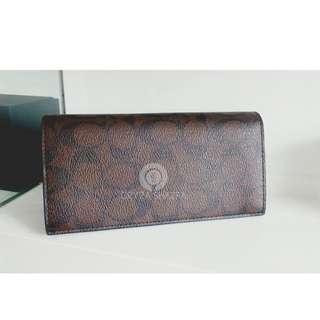 F75013 Mahogani Brown Mens Breast Pocket Wallet In Signature