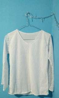 Baju putih lace