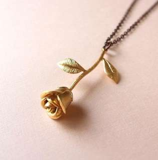 Rose Pendant Necklace🌹 ONHAND