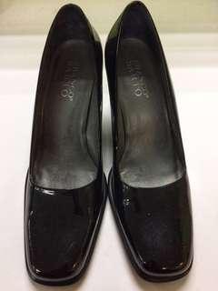 Pre-loved Ladies Shoes