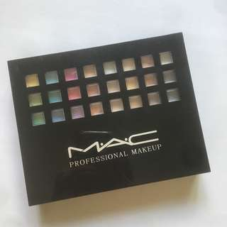 MAC Every Color Imaginable Professional Makeup (Eyeshadow Palette)