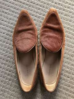 Country Road brown flat shoes