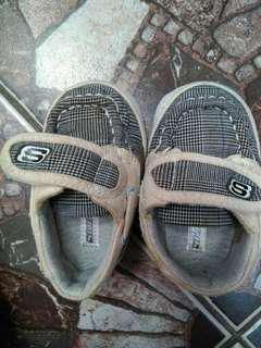 Sepatu branded anak laki2 pre walker