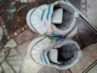 Sepatu anak laki pre walker