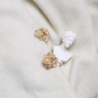 🚚 《早衣服》暑7來襲☀️法式vintage優雅宮廷小雛菊金屬復刻925耳針夾式耳環無耳洞耳夾(預)