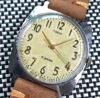 50年代蘇聯製POBEDA古董軍錶,原裝操字面,金字金針,無番寫,原裝15石上鏈機芯,已抹油行走精神,錶頭38x38mm不連錶的,皮革錶帶,有意請pm