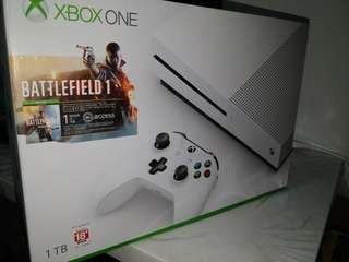 Xbox One S 1 TB BattleField 1 Bundle Set