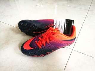 Nike US 3.5Y, hypervenom soccer boots