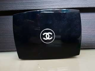 Chanel Comfort Radiance Compact Makeup