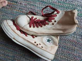 Converse sneakers (off white × maroon laces)