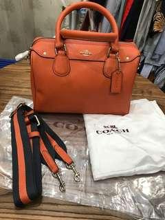Tas Coach mini bennet satchel in crossgrain leather (orange)