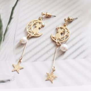 【現貨】日系時尚鏤空金屬月亮上的貓美少女戰士星星耳針耳環