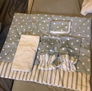 Pre loved Crib Sheet Set