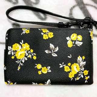 💛Coach💛現貨(連US gift receipt)黑底黃色花卉拉鏈包