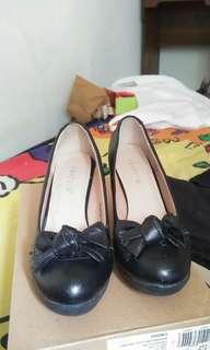Laviola black heels, sepatu hak hitam 7cm pantofel