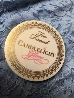 Too Faced Candlelight Glow Highligter