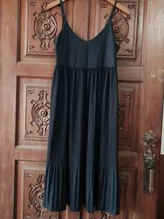 PLEATED BLACK SUMMER DRESS