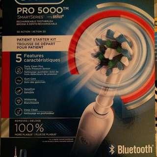 Oral-B Pro 5000 藍牙電動牙刷
