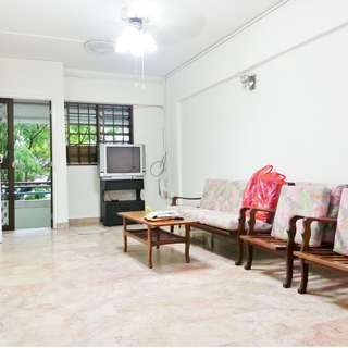 3Rm- 302 Ang Mo Kio Ave 3  – Mins to AMK HUB / AMK MRT!! With Upgraded Back Utility Room (#05) Mid-Floor / Market  / 24hrs Food Center