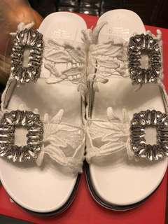 🈹️ 2018 款式全新閃石涼鞋 size 39