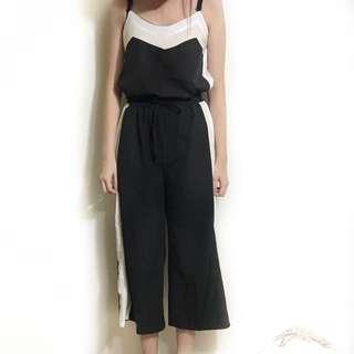 🚚 黑色背心+褲子
