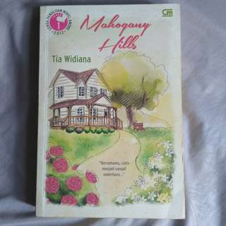 Preloved Novel Mahogany Hills