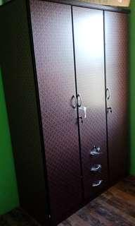 Divider cabinet