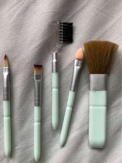Brush makeup mini