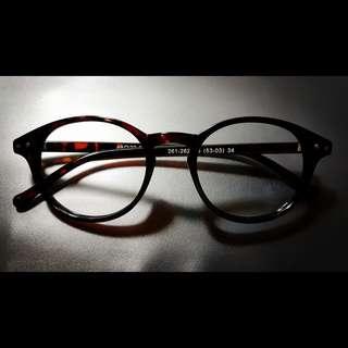 購買賣場商品免費送☺眼鏡框